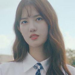 Yang HyeJi as Lee SiWon