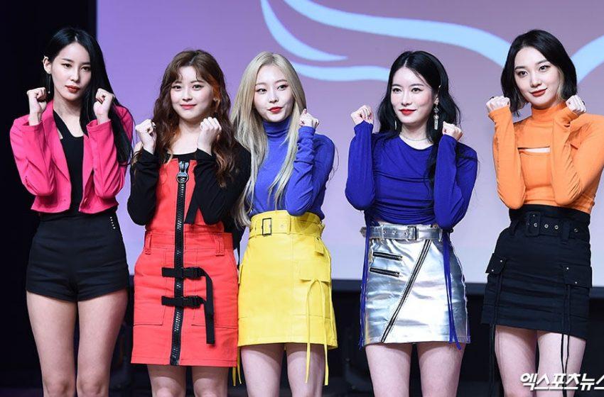 Mantan Member PRISTIN Bicara Tentang Bagaimana Rasanya Debut Ulang Dengan Girl Group HINAPIA di Showcase Album Debut Mereka