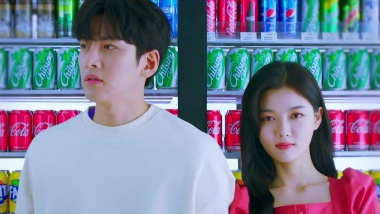 "Kim Yoo Jung Membuat Ji Chang Wook Kebingungan dalam Teaser Perdana Drama SBS Terbaru ""Backstreet Rookie"""